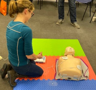 RYA First Aid Course AED