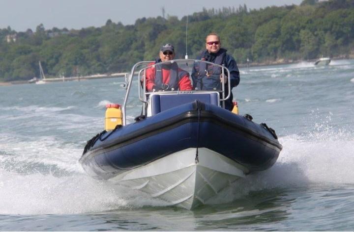 intermediate-powerboat-sea