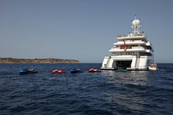super-yacht-jetski