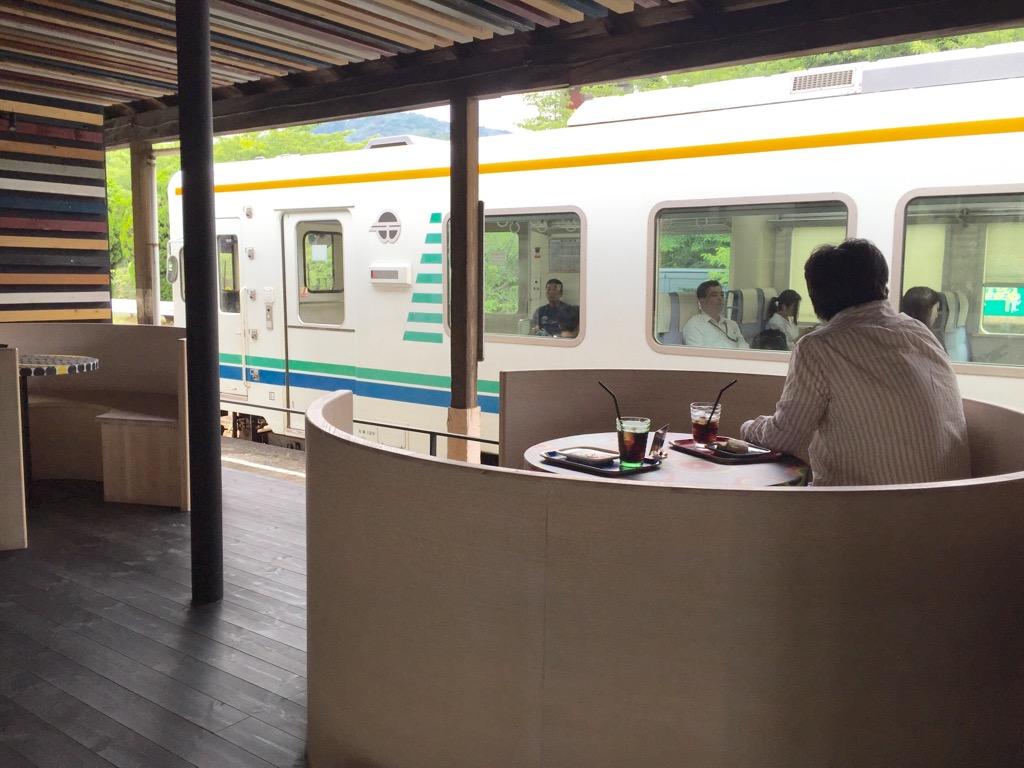 駅カフェ都田駅店内