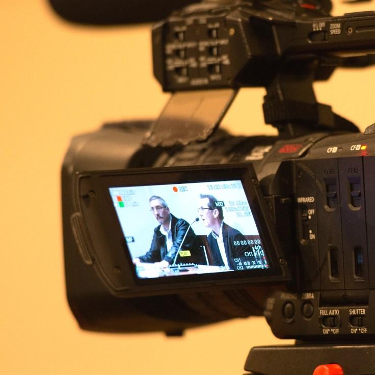 Conferencia en La Casa de la Literatura - Photo by Jose Luis Ortiz
