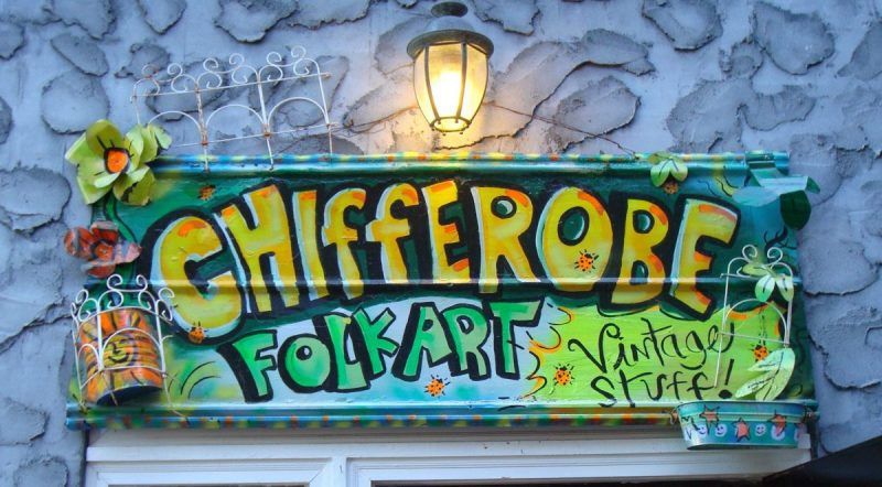 chifferobe sign