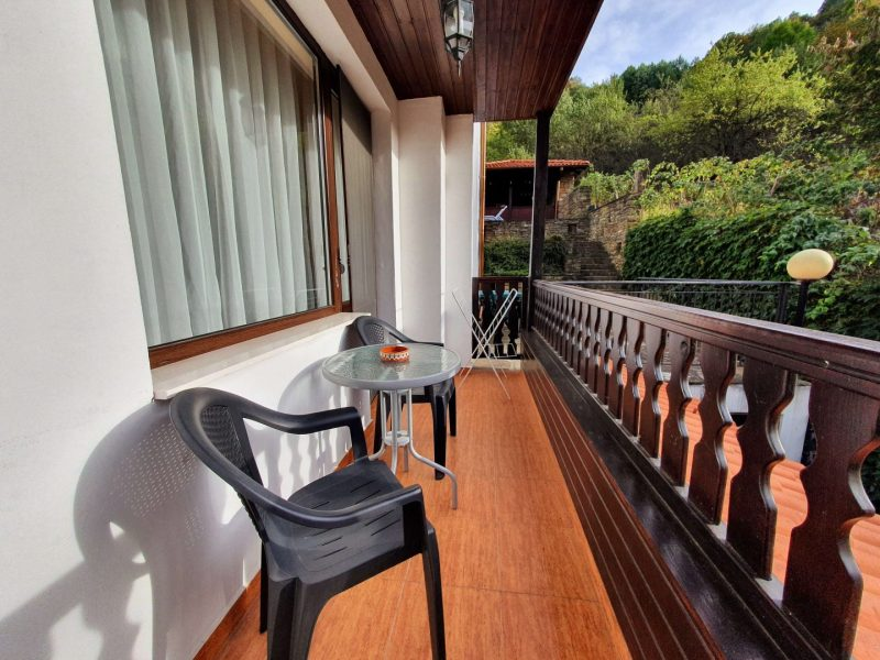 Balcony apartment with 2 bedrooms
