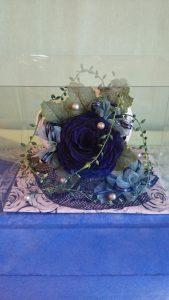 【ダイヤモンドローズ】濃厚な【青】です❗! こちらの薔薇にもダイヤモンドの粒子が散りばめられています(^o^) 花も大きくボリューム感も抜群☆ 友人や大切な方へ⤴⤴ お誕生日、ご結婚のお祝いや、出産のお祝いなどのギフトにピッタリです。
