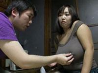 豚カワイイ姉貴のノーブラ姿を咎めるフリして勃起乳首を触るいけない兄