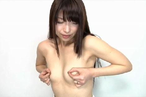 加藤ツバキさんの乳首オナニー