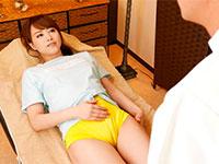 マンスジを極端に際立たせ男達を誘惑する吉沢明歩さんのマンスジ見せつけルックが激エロな作品を発見!