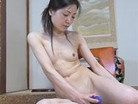 地味美人で乳首がデカいパイパン人妻、渡祐子さん39歳