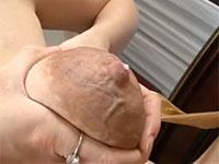 乳輪から血管が浮き出るほど気合の入った母乳搾り
