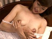 エッロイデカ乳首の義母、神崎久美さんの卑猥なでかちくびに魅せられたモトユキ