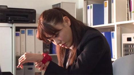 時間を止められる腕時計を授かった浜崎真緒先生