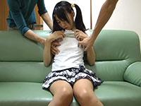 ツインテールの黒髪女子の服の上から突起した乳首をコリコリコリっとね