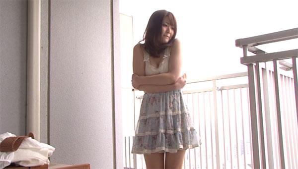 高層ビルで羞恥露出をさせられる櫻井ともかちゃん