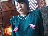 卑猥で恥ずかしい長乳首を持つ神林恭子さんの初撮りAVが配信開始!この奥さんの乳首エロ過ぎヤバシ・・・