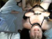 クンニが気持ち良すぎて無意識に乳首を摘んでクリ乳首快感でイキ顔を見せるチャトレレズビアン!