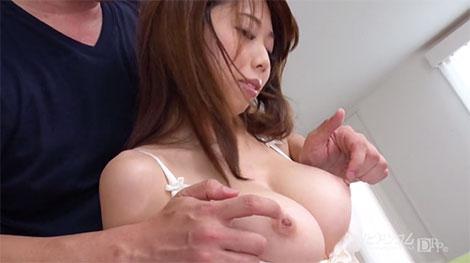 松岡すずちゃんの超美乳
