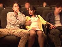 映画館で隣に座った男にコッソリ乳首をこねくりまわされるという乳首痴漢物がアパッチから登場!
