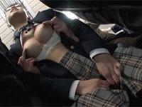 電車内で乳首をこねくり回されるという超激しい乳首痴漢物の第2弾「乳首こねくり回し感じまくり電車痴漢2」が動画配信開始!