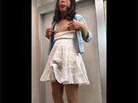 乳首弄りでペニクリをスカート越しにビクンビクン躍動させる女装子ちゃんの露出調教変態自撮り動画