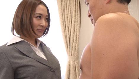 社長と向き合う秘書