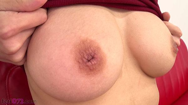 日向菜々子ちゃんの陥没乳首を接写