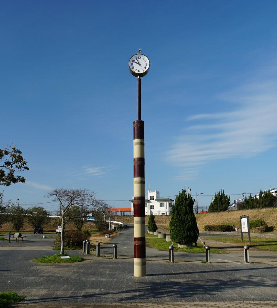 福岡県大牟田市白銀 白銀川調水池公園 時計塔は水位計