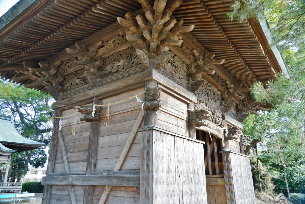福岡県大牟田市久福木72 諏訪宮 神門側面の像の彫刻