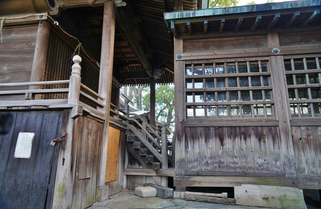 福岡県大牟田市田隈245 田隈八幡神社 神殿 階段