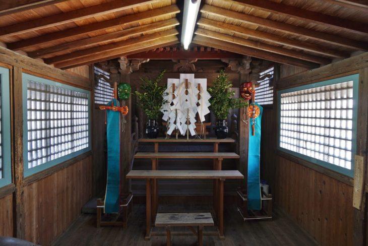 福岡県柳川市三橋町藤426-3 風浪神社 神殿 天狗の面
