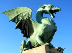 de beroemde drakenbrug in Ljubljana