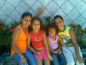 640886_20783470 group children
