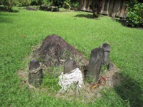 Tahiti-ruins-papenoo-valley-2