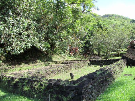 Tahiti-village-papenoo-valley-2