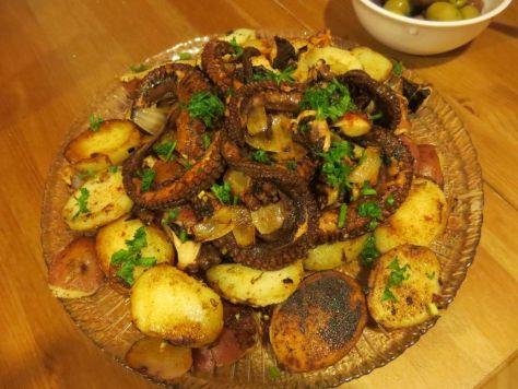 cooking octopus: pulpo a la gallega