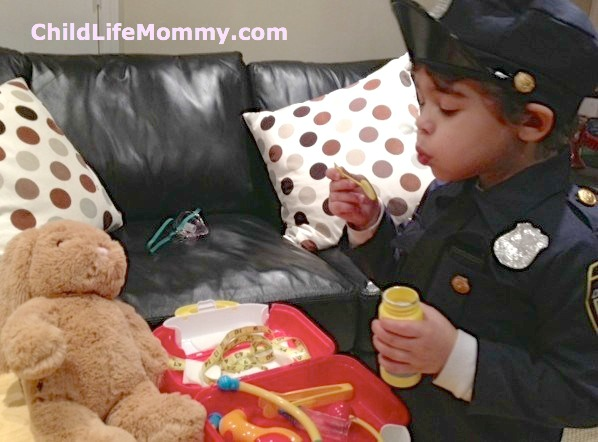 medical play child life mommy