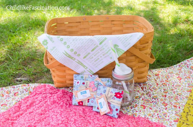 Mason jar & picnic basket not included