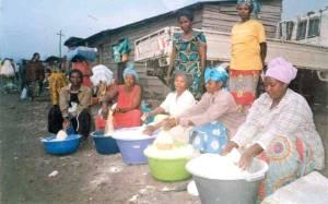Femmes au marché grâce aux AGR