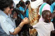 A young girl greets Leila Zerrougui at the Protection of Civilians site in Juba. ©OSRSG-CAAC