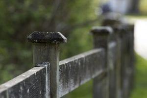 Fence establishing boundary line