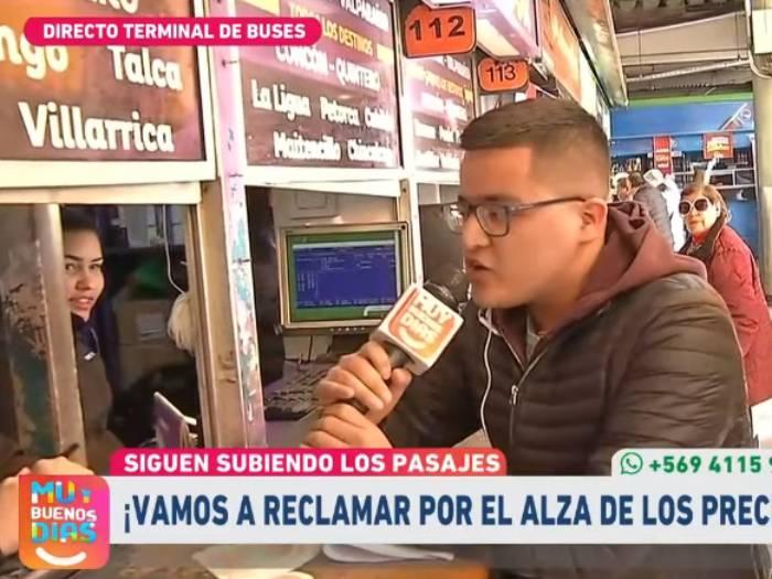Fail televisivo: jugó a ser periodista en el terminal y perdió bus en vivo