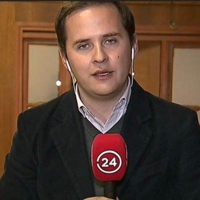Periodista de TVN Fabián Collado fue detenido en vivo por Carabineros