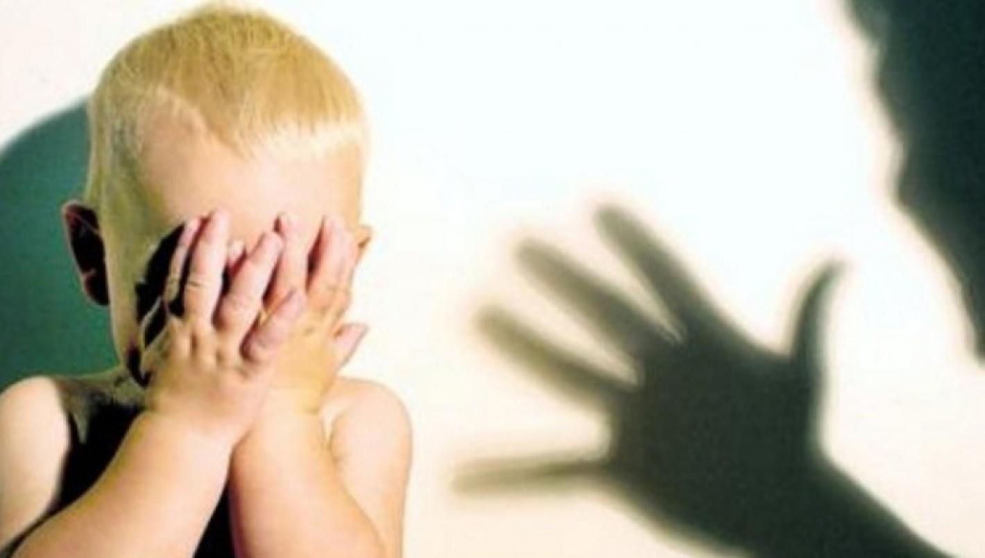 """(VIDEO) «Te voy a dejar en coma"""": brutal agresión de una madre a su hijo de 2 años"""