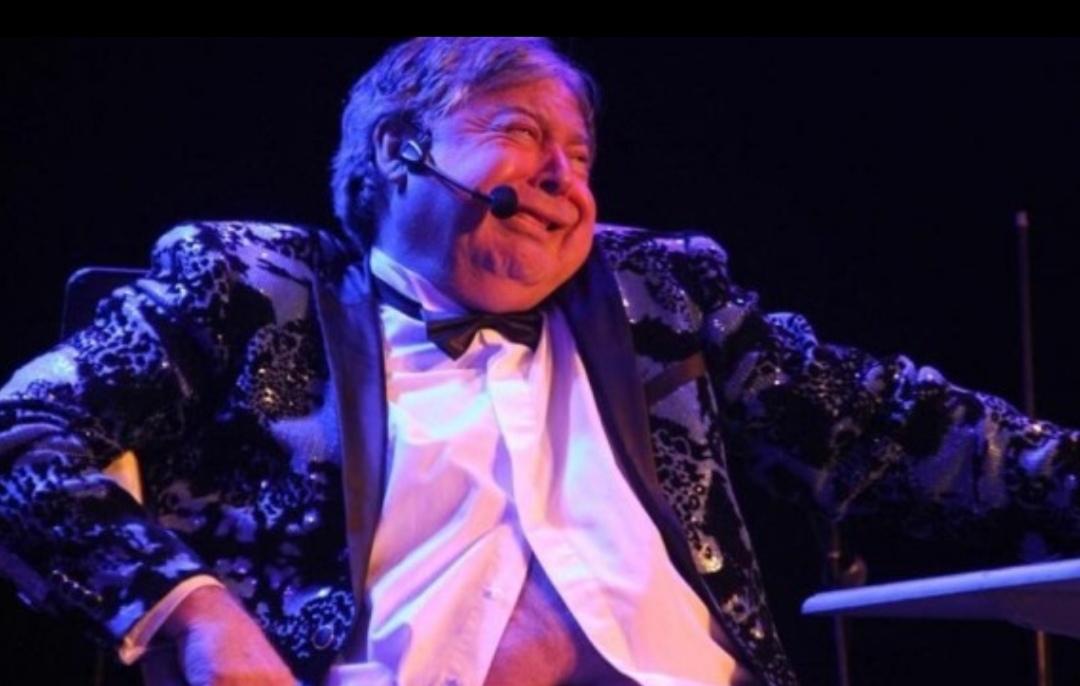 Ernesto Belloni fue PIFIADO en festival de Iquique, duró 15 MINUTOS en el escenario