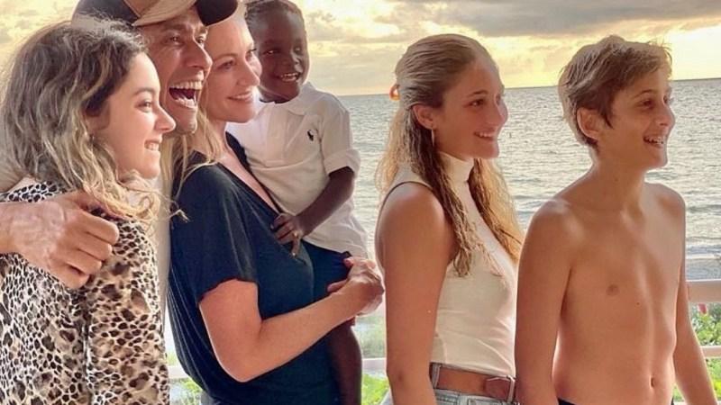 Marcela Vacarezza comparte EMOTIVA imagen de cuando hijo adoptivo era BEBÉ