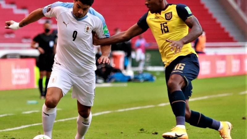 A Uruguay el VAR le ANULA 3 anotaciones y termina GOLEADO por Ecuador