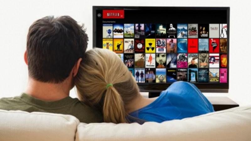 Dime QUÉ HACES y te diré QUÉ VER: cómo el ALGORITMO de Netflix sabe más de ti de lo que crees