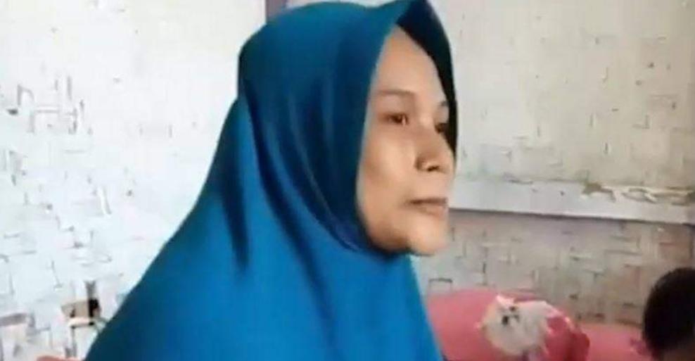 Indonesia: mujer afirma que se EMBARAZÓ «después de ORAR y sentir una RÁFAGA de VIENTO»