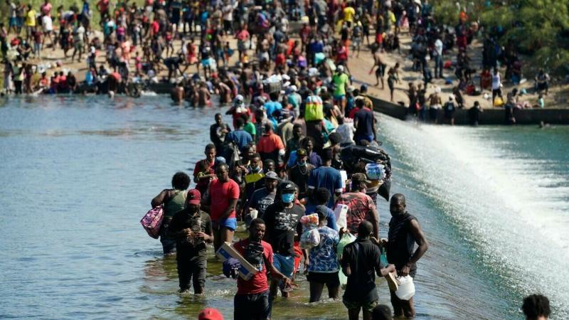 EEUU busca enviar de REGRESO a migrantes haitianos provenientes de CHILE por crisis en frontera sur