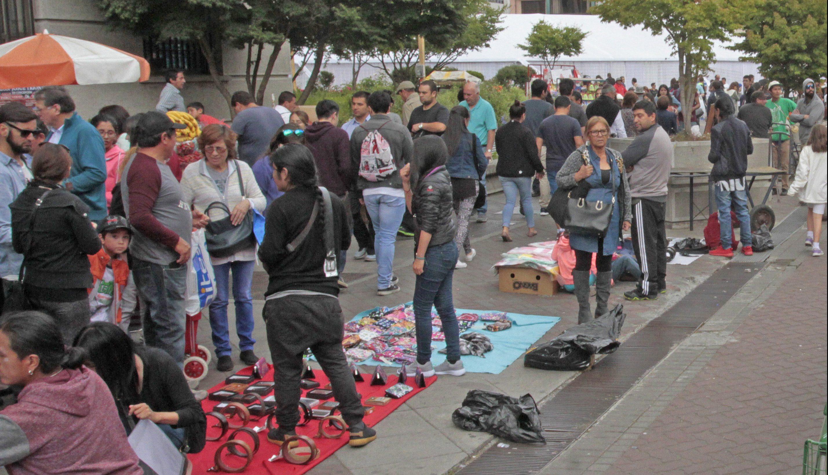 «Verdaderas mafias»: Cámara de Comercio apunta contra comerciantes ilegales en centro de Concepción