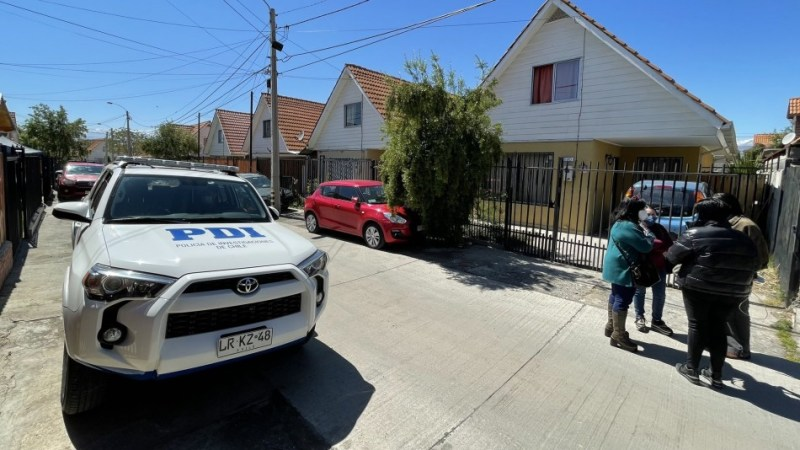 Mujer APUÑALÓ más de 50 veces a su esposo luego de DOPARLO en Rancagua, todo frente a su hijo de 10 AÑOS